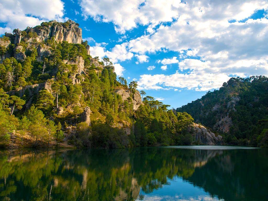 Laguna de Aguas Negras Cazorla Luis Daniel Carabia Cabeza CC BY 2.0